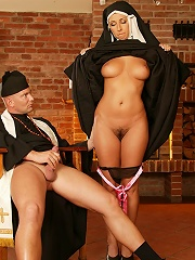 EuroBabez.com (Pics) - Daria - Daria get her pussy rammed hard and makes a cowgirl ride